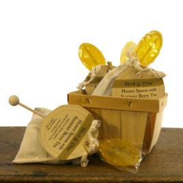 Honey Spoon with Summer Berry Tea